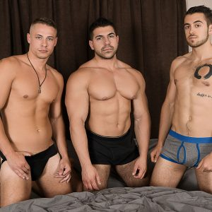 Bromo Men Having A Gay Threesome