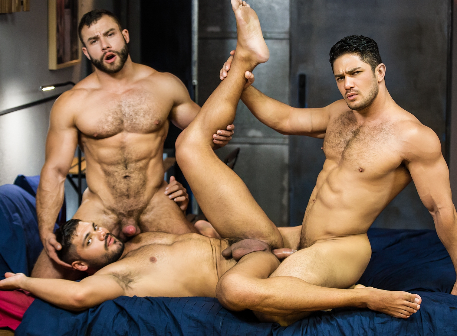 Gay muscle porn threesome